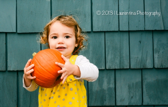 2 year old, fall mini session, northern virginia, old town alexandria, waterfront, marina, pumpkin, portrait, children photography
