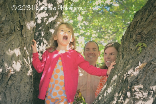 mommy, daddy, dad, mom, daughter, little girl, 4 year old, girl, rock creek park, mini session, fall pictures, fall portraits, national park service, fall mini session, foliage, leaves