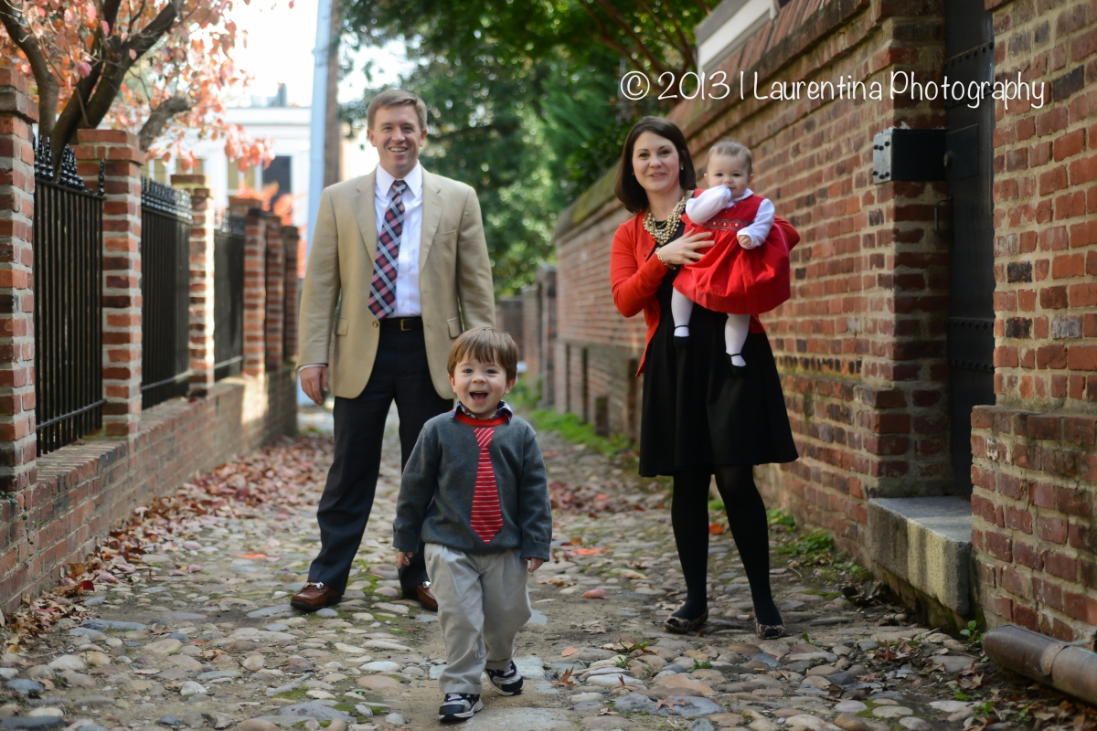 Holiday Mini Session | Old Town Alexandria Family Photographer
